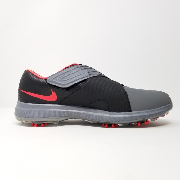 fd790888811f Nike Men s TW 17 Tiger Woods Golf Shoes. M 5b2e90020cb5aa2bf9db08ac